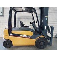 Электропогрузчик Caterpillar EP40, год 2007 - 046F2966